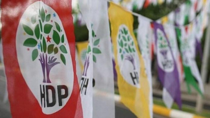 Six personnes, dont un représentant local du HDP et un dirigeant de l'association Tuay-Der, ont été placées en garde à vue à Istanbul.