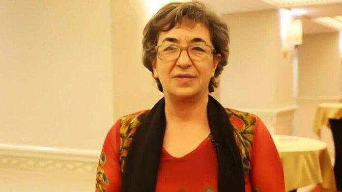 Ayşe Gökkan, porte-parole du Mouvement des Femmes libres, a été arrêtée mercredi, à Diyarbakir, après qu'un mandat d'arrêt ait été émis contre elle plus tôt dans la journée.