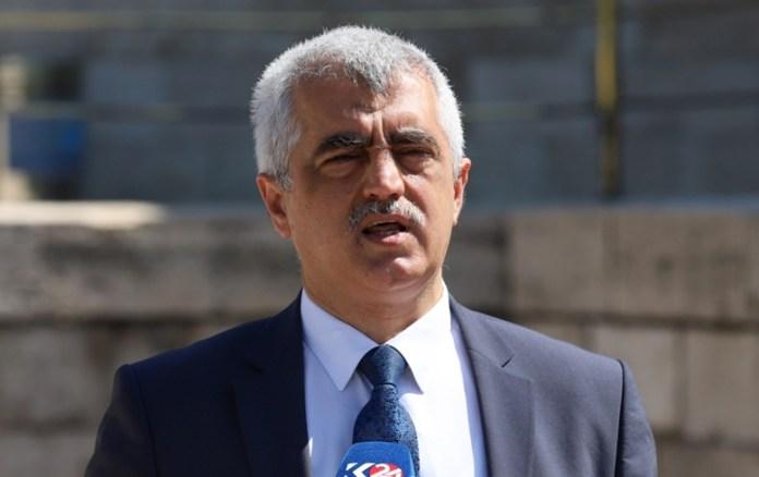 La Cour de cassation turque a confirmé vendredi la condamnation à deux ans et demi de prison du député du Parti démocratique des peuples (HDP) Ömer Faruk Gergerlioğlu. L'homme politique de 55 ans est accusé d'«avoir fait de la propagande pour une organisation terroriste».