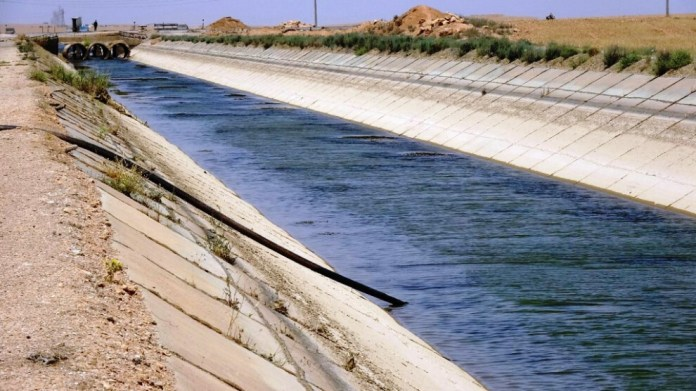 Le nord et l'est de la Syrie sont touchés par une grave pénurie d'eau du fait de la rétention des eaux de l'Euphrate par la Turquie.
