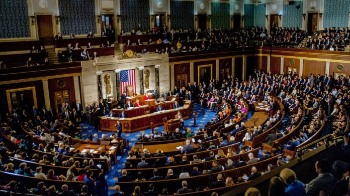 Deux membres du Congrès américain, David Cicilline et Gus Bilirakis demandent au Département d'État américain de suspendre les licences d'exportation de technologie des drones vers Ankara. Que ce soit au Kurdistan, au Haut-Karabakh ou en Libye, les activités des drones turcs contribuent largement à l'instabilité du Moyen-Orient.