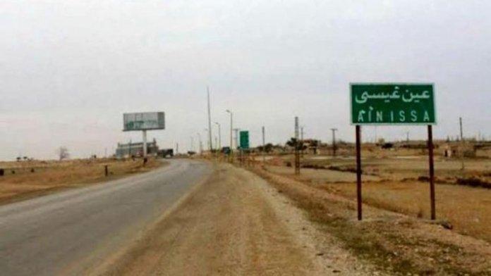 Les environs du camp de réfugiés d'Ain issa, dans le nord de la Syrie, et le village voisin de Muallaq ont été bombardés lundi dans la soirée par les forces turco-djihadistes.