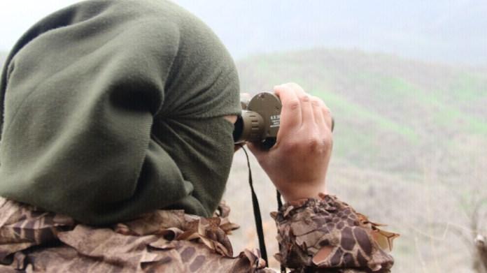 Le centre de presse des Forces de Défense du Peuple (HPG, branche armée du PKK) a annoncé dans un communiqué que trois guérilléros kurdes étaient tombés en martyrs suite à l'utilisation d'armes chimiques par l'armée turque.