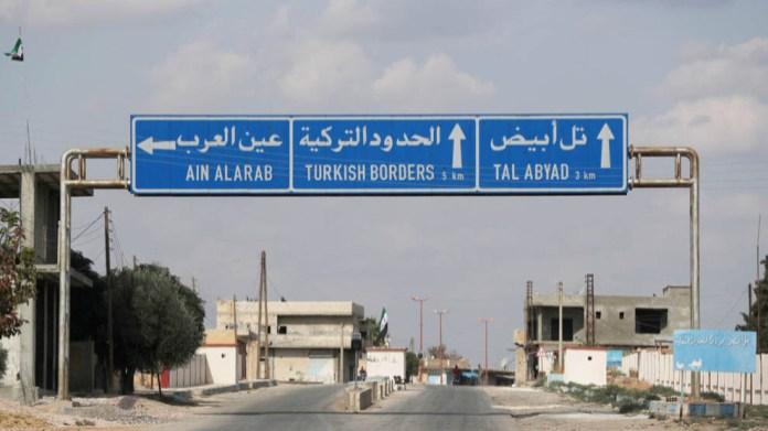 Des soldats de l'armée truque ont enlevé 3 civils, dont deux femmes, à Girê Spî (Tall Abyad), une des zones occupées par la Turquie dans le nord de la Syrie.