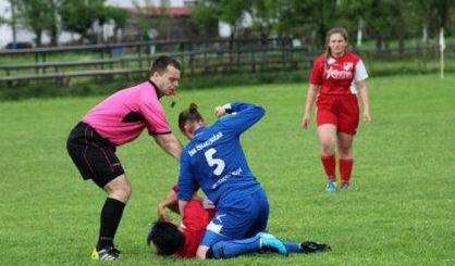 © twitter/1branitelj Diese Fußballerin ist jetzt lebenslang gesperrt