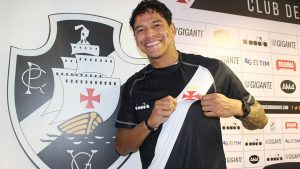 f1adf26bba Emprestado pelo Corinthians