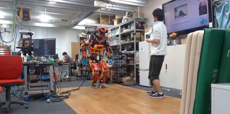Робота-андроида научили кататься на роликах и скейтборде