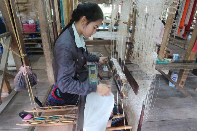 hand-weaving-at-the-living-cultural-centre-inluang-prabang
