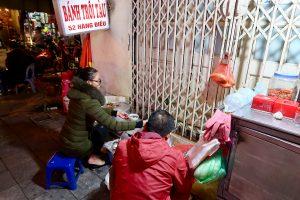 Street-food-vendor