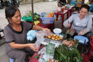 Ladies-preparing-takeaway-meals