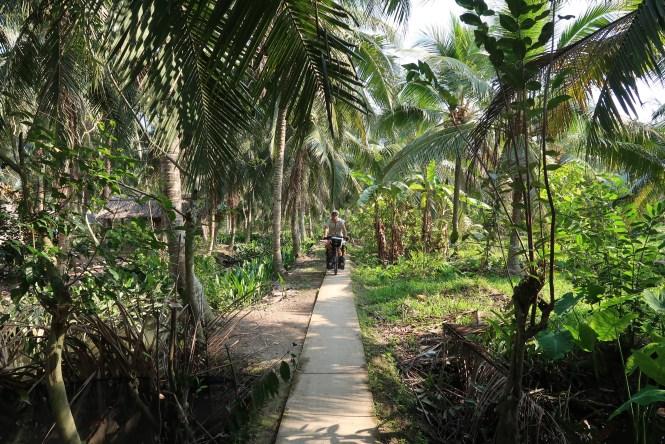 cycling-mekong-delta