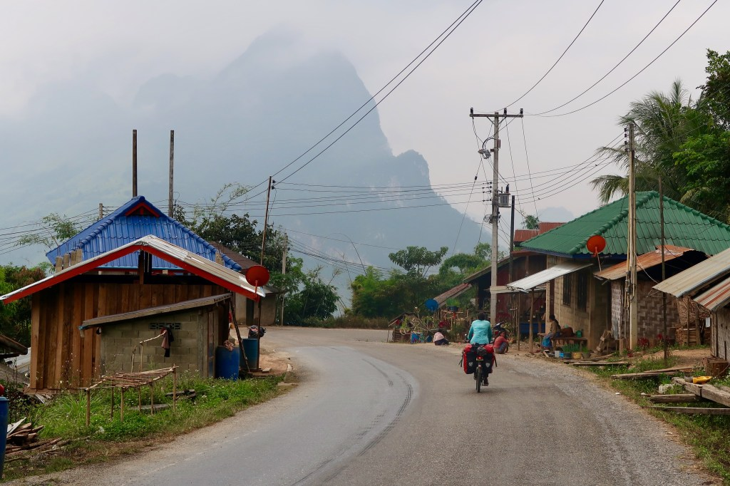 laos-rolling-east