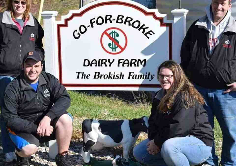 Brokish Family Hosts Iowa County Dairy Breakfast