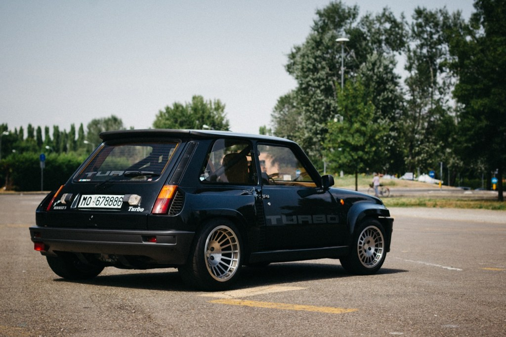 renault-5-turbo-rear