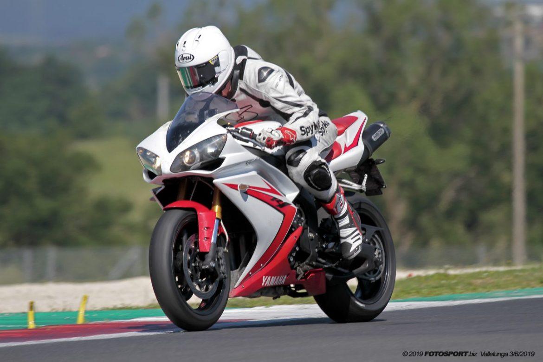 Yamaha R1 Vallelunga 2