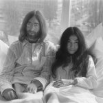 Bed-In for Peace, Amsterdam 1969 - John Lennon & Yoko Ono. CC BY 4.0, Public Domain/Wikimedia Commons