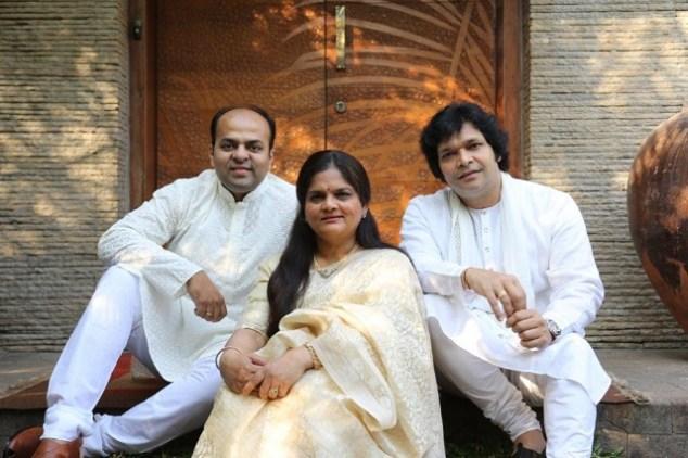 L-R_Ameya Dabli-_Devaki Pandit & Rakesh Chaurasia (2)