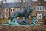 UNA Statue
