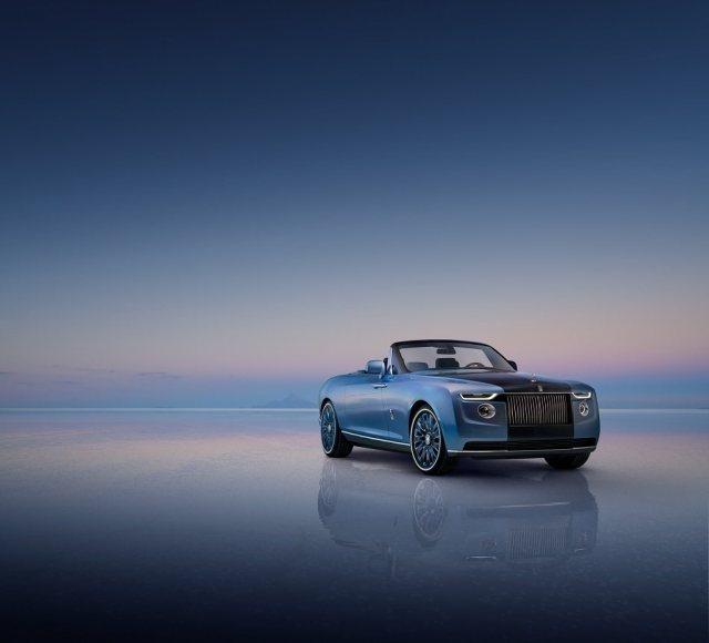 2021-Rolls-Royce_Boat_Tail-1