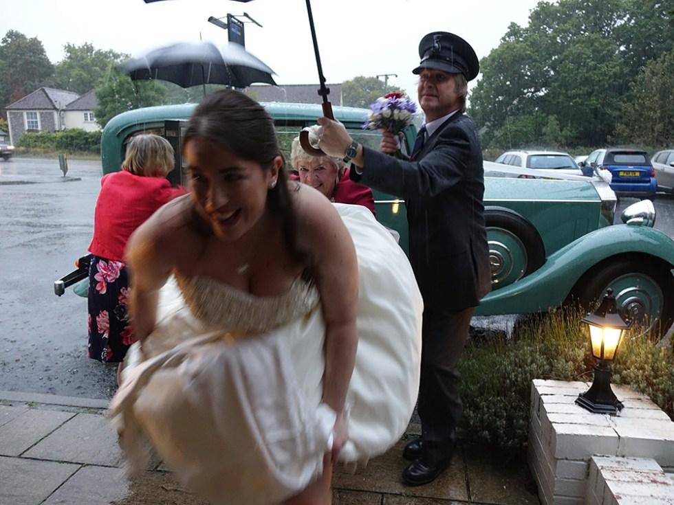 A dash for the reception © Rolls-Royce Wedding