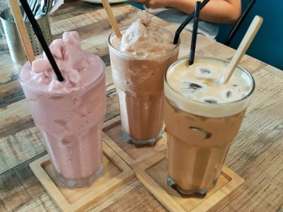 From (L): Mix Berries Smoothies – RM14, Wild Tribe Mocha- RM15 & Iced Hazelnut Latte – RM12