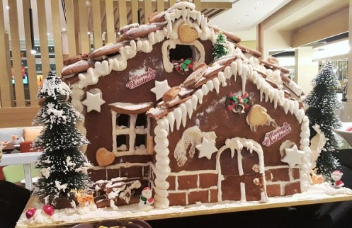 Beatifully decorated Christmas Ginger Bread House