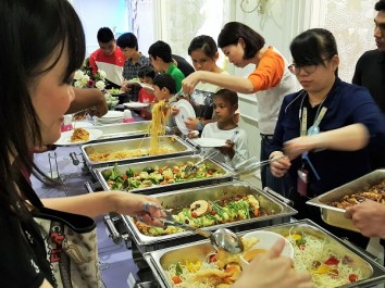 Kids lunch time - Guardian CSWR