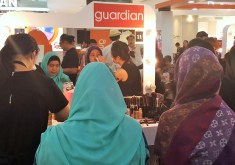 Shoppers - Guardian Makeover