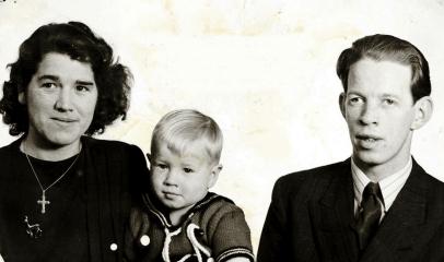 Erland og Randi (Øby) Edvardsen med sønnen Frank på 1950-tallet