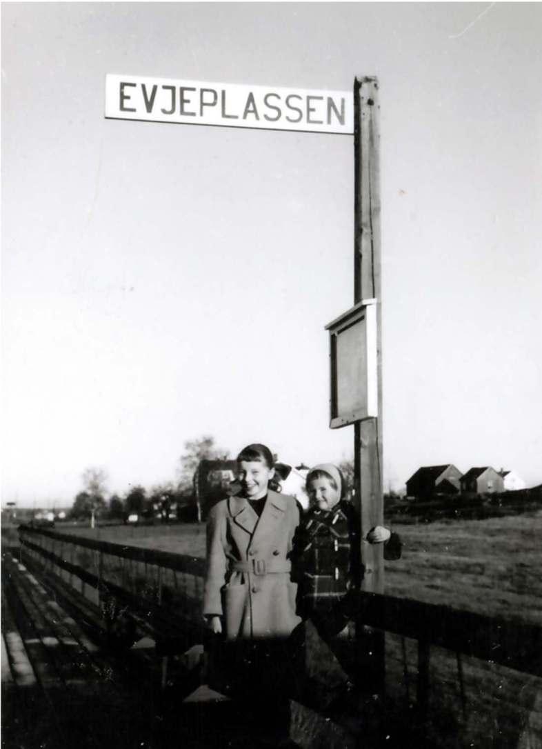 Evjeplassen stoppested, Ravneveien