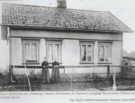Ravneveien 27. Karl og Hanna Kristiansen. Flere opplysninger under «Handel på Evje».