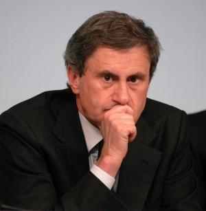 Alemanno diserta la parata A vuoto l'appello di Napolitano