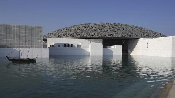 das-louvre-abu-dhabi-wurde-von-dem-franzoesischen-architekten-jean-nouvel-entworfen-