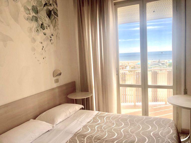 """alt=""""Camera Hotel Viamare Milano Marittima"""""""