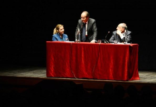 Economista Jean-Paul Fitoussi al Teatro Fabbri10 02-02-15