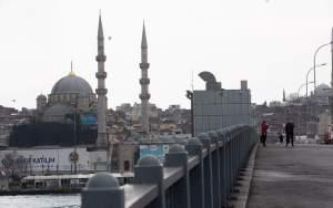 Τουρκία: Σε καραντίνα 31 πόλεις – Απαγόρευση κυκλοφορίας για νέους κάτω των 20 ετών