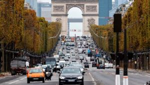 Covid: France returns to lockdown amid new surge
