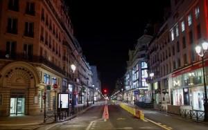 Γαλλία: Ένα βήμα πριν το τρίτο lockdown – Την Τετάρτη οι αποφάσεις