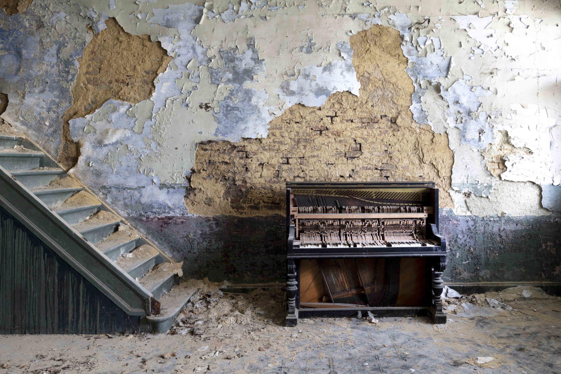 Requiem pour pianos 40 | Serie Requiem pour pianos | Romain Thiery | Belgium