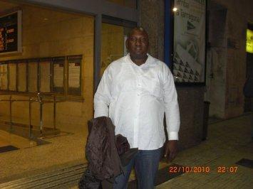 Online Romance Scammer Kazeem Owonla traveling on your money