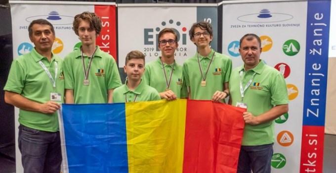 FELICITĂRI! Elevii români au luat 3 medalii de aur și una de argint la Olimpiada Europeană de Informatică pentru juniori 6