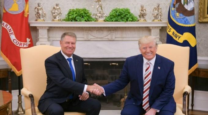 """Donald Trump i-a transmis un mesaj lui Iohannis de Ziua Națională: """"România este un aliat neprețuit atât pentru Statele Unite ale Americii, cât și pentru Alianța Nord-Atlantică"""" 1"""