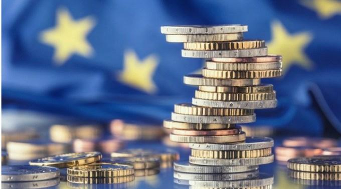 """România a tras lozul câștigător. Andrei Caramitru: """"România poate atrage 30 miliarde EUR de la UE pe baza planului de relansare propus azi de Comisie. Este un moment istoric și pentru noi și pentru Europa. Sper ca banii ..."""" 1"""