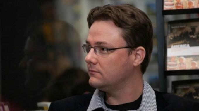 Medicul Vlad Mixich: Revoltător! Într-o carte finanțată de la Ministerul Educației, Dan Puric e expert în pandemie, iar un academician spune că virusul a fost lăsat să vină ca să avantajeze marile corporații 1