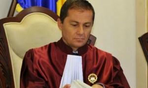 """Judecătorul Curţii Constituţionale, Daniel Morar, l-a criticat dur pe premierul Ludovic Orban care le-a cerut românilor să nu respecte decizia CCR. """"Este un lucru grav şi de nepermis într-un stat de drept"""" 47"""