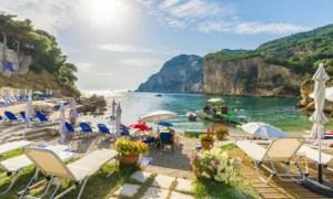 Incredibil! Românca depistată cu Covid-19 în Grecia s-a plimbat 72 de ore în Creta, ca să nu-și strice vacanța 22