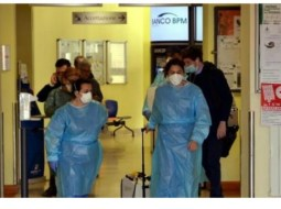 """Coronavirus. Româncă din Italia: """"Vrem să plecăm în România, suntem conștienți că fără o testare nu putem pleca, vrem să o facem, nu vrem să punem în pericol pe nimeni, familia, apropiații... spitalul din Codogno e înconjurat de ambulanțe, ni s-a spus că nu avem voie în urgență sau spitalul respectiv ..."""" 6"""