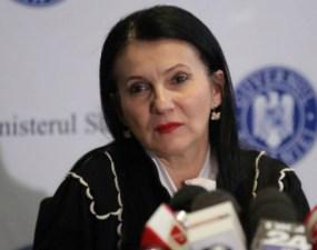 """Sorina Pintea, ministru al Sănătății, diagnosticată de al patrulea medic. """"În luna iulie 2019 mi-au apărut nişte pete pe faţă, identice, pe ambii obraji. M-am dus la un dermatolog ca orice om normal, mi s-a spus că am o..."""" 18"""