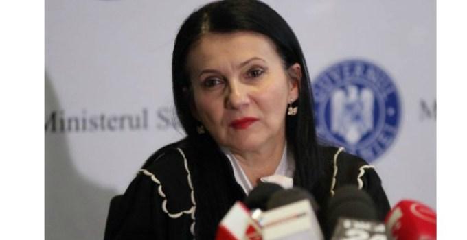 """Sorina Pintea, ministru al Sănătății, diagnosticată de al patrulea medic. """"În luna iulie 2019 mi-au apărut nişte pete pe faţă, identice, pe ambii obraji. M-am dus la un dermatolog ca orice om normal, mi s-a spus că am o..."""" 11"""