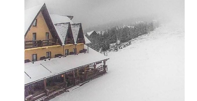 (Video) Zăpadă mare. Ninge la Rânca și Straja. Ninge și la românii din Italia. Dor mare de un Crăciun cu zăpadă, acasă 15
